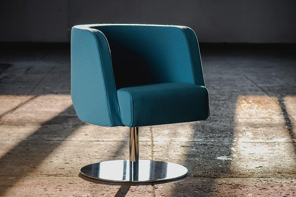 wnętrza i meble w stylu lat 50 i 60, fotel NEON Marbet Style
