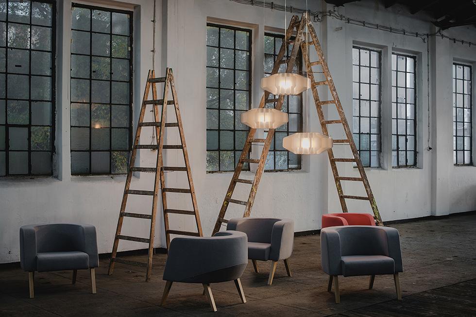 wnętrza i meble w stylu lat 50 i 60, fotele NEON Marbet Style