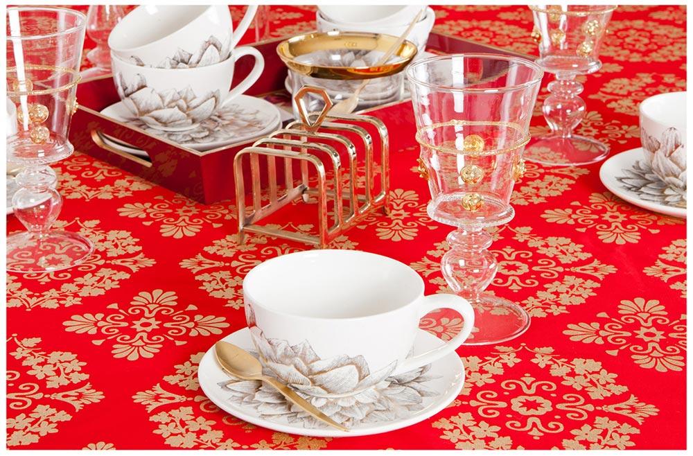 Świąteczne aranżacje, świąteczne aranżacje wnętrz, świąteczne dekoracje, świąteczne aranzacje na czerwono i złoto