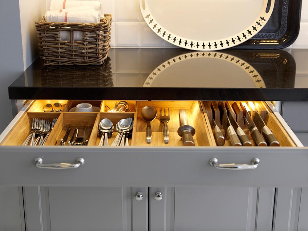 nowe kuchnie ikea metod, oświetlenie szuflad kuchennych