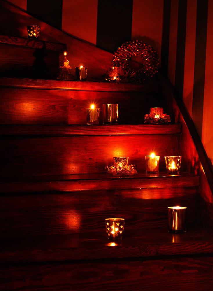 dekoracje świąteczne, dekoracje świąteczne w kolorze złota, świąteczne aranżacje, świąteczne aranżacje wnętrz, świąteczne dekoracje