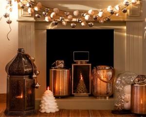 dekoracje świąteczne, dekoracje świąteczne w kolorze złota