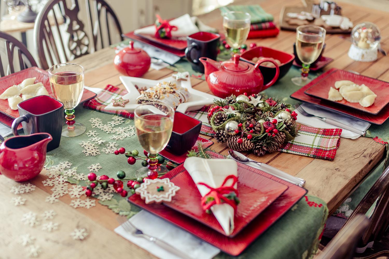 tradycyjne aranzacje swiateczne, zielono-czerwone aranżacje bożonarodzeniowe