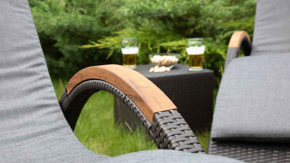 wybieramy leżaki i łóżka ogrodowe, jakie meble ogrodowe wybrać,