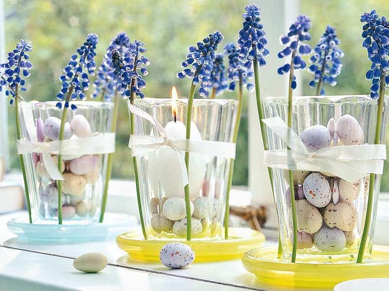 dekoracja wnętrz kwiatami, dekoracja wnętrz hiacyntem, dekoracja z kwiatów na Wielkanoc